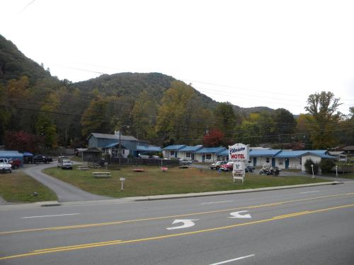 Clarketon Motel - Maggie Valley Photo