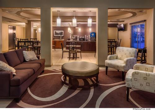 Best Western Plus Chena River Lodge - Fairbanks, AK 99706