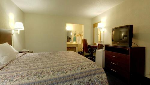 Americas Best Value Inn Newton Photo