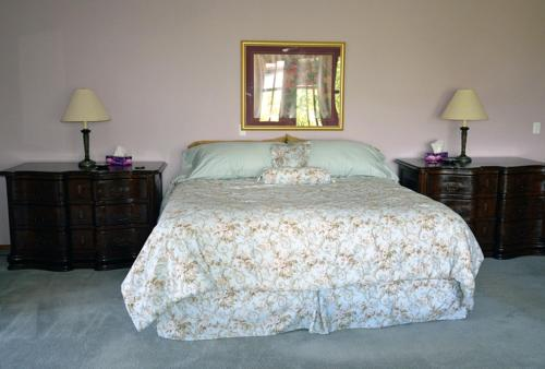 Gemstone Guest House and B&B Photo