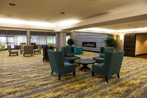 Radisson Ontario Airport Photo