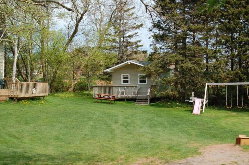 North Rustico Motel & Cottages Photo