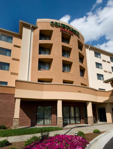 Courtyard by Marriott Atlanta Buford Mall of Georgia Photo