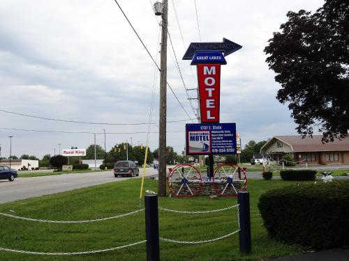 Great Lakes Motel Photo
