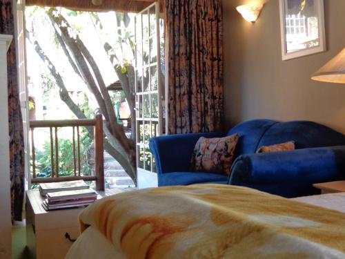 Treetops & Treats Guest House Photo