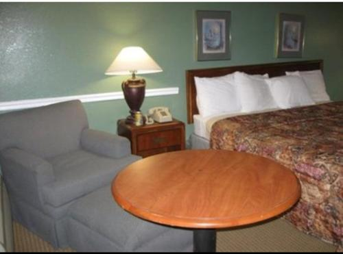 Greenwood Inn - Demopolis, AL 36732