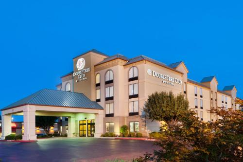DoubleTree Club by Hilton Springdale Photo