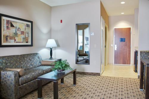 Holiday Inn Express Hotel & Suites Houston Energy Corridor - West Oaks Photo