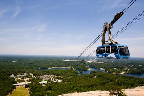 Stone Mountain Inn Photo