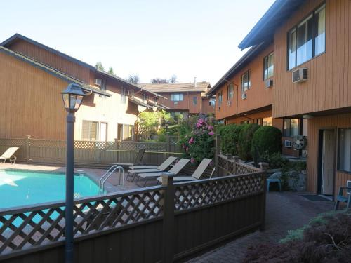 Lake City Inn And Suites In Burnaby Bc Free Internet
