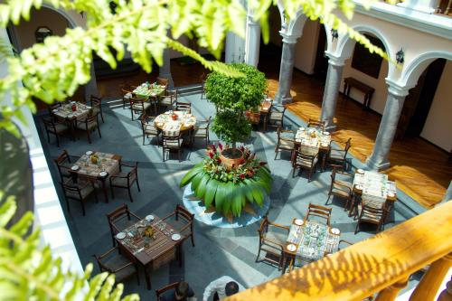 Hotel Patio Andaluz Photo