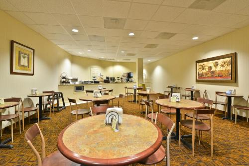 Best Western Ocean City Hotel and Suites Photo