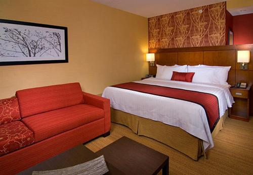 Courtyard by Marriott Philadelphia Springfield Photo