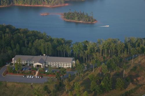 Lake Chatuge Lodge Photo