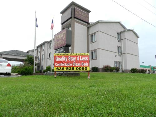 Photo of Luxury Inn & Suites Troy