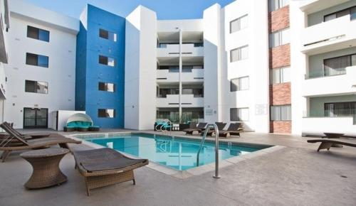 The Topaz Luxury Suites WeHo/ Beverly Hills - Los Angeles, CA 90036