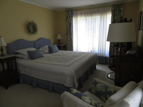 Cedar Gables Bed & Breakfast Photo