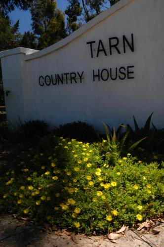 Tarn Country House Photo