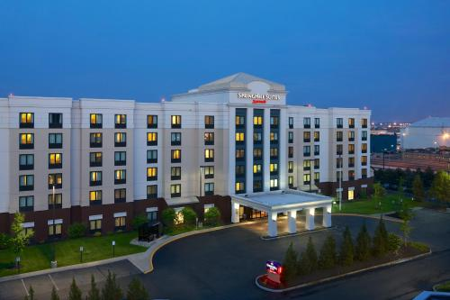 Гостиница «SpringHill Suites by Marriott Newark International Airport», Ньюарк