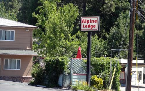 Alpine Lodge Photo