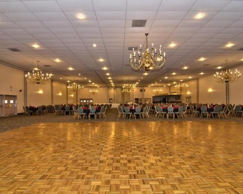 Econo Lodge Conference Center Allentown Photo