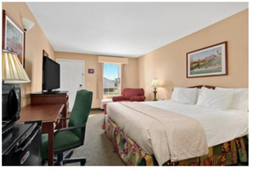 Baymont Inn and Suites - Easley Photo
