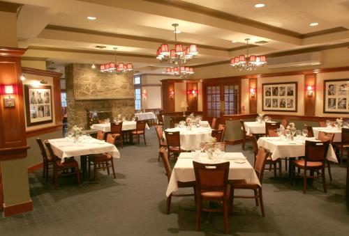 Two Trees Inn at Foxwoods Photo