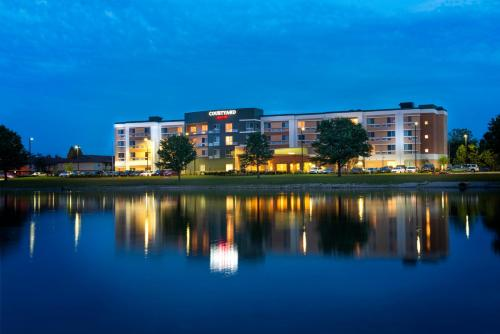 Courtyard by Marriott Evansville East Photo
