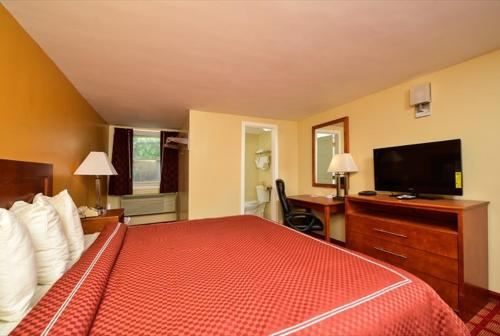 Econo Lodge West Yarmouth Photo
