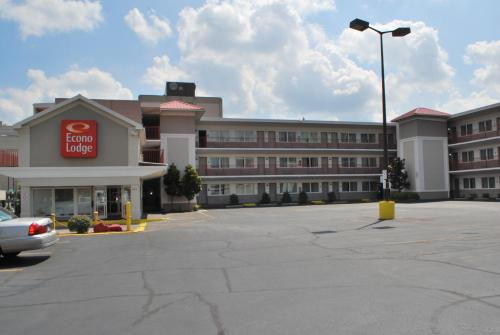 Econo Lodge Downtown Louisville Photo