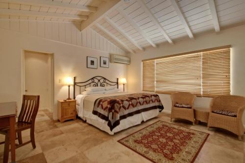 Warm Sands Villa Photo