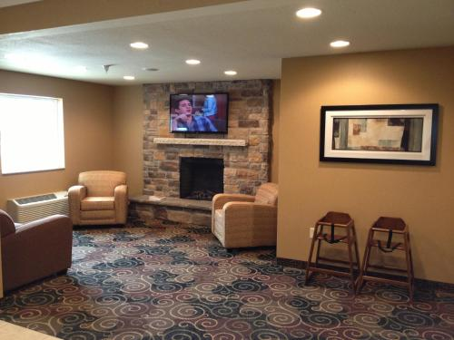 Cobblestone Hotel and Suites - Newton Photo