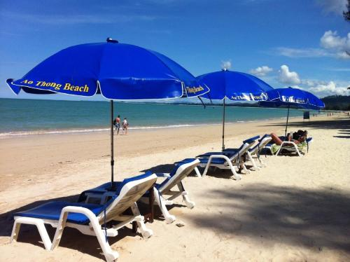 Ao Thong Beach Bungalows