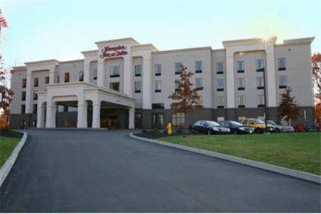 Hampton Inn and Suites Jamestown Photo