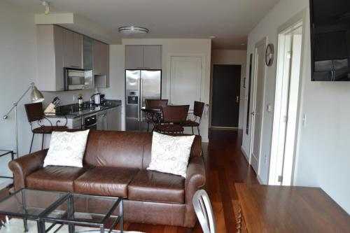 Canal Street Luxury 1 Bed Apartment by Spare Suite Photo