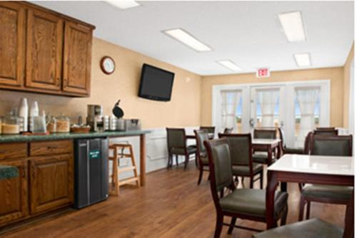 Baymont Inn & Suites - Thomasville Photo