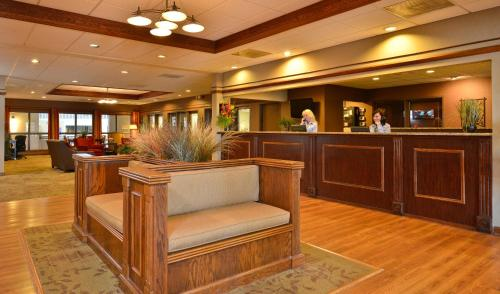 Best Western Plus Steeplegate Inn Photo