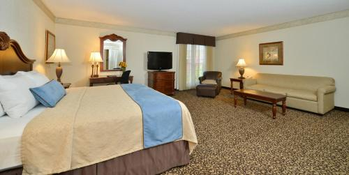 Best Western Plus Steeplegate Inn Davenport Ia United