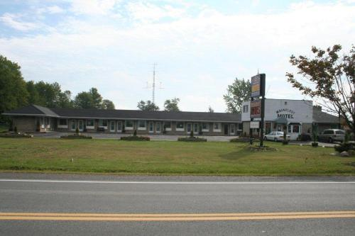 Wainfleet Motel & Restaurant Photo