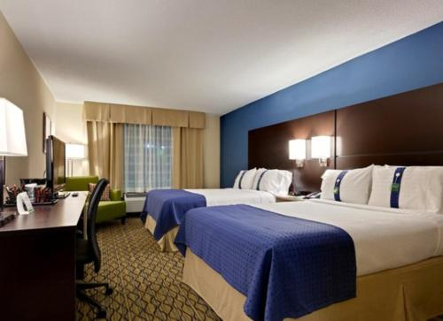 Holiday Inn & Suites Atlanta Airport North Photo