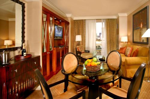Luxury Suites International at The Signature Photo