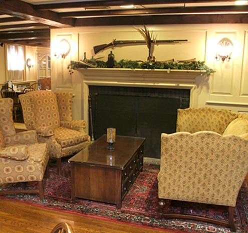 Publick House Historic Inn and Country Motor Lodge Photo