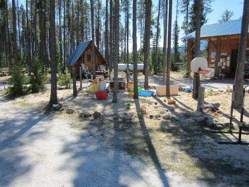 Blue River Cabins & Campgrounds Photo