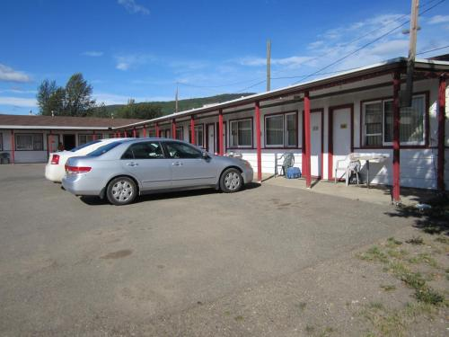 Chetwynd Court Motel Photo