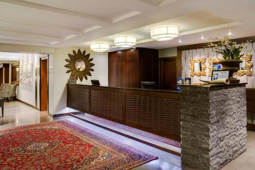 Protea Hotel by Marriott Witbank Photo