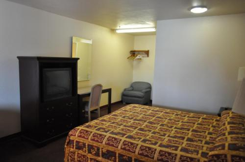 California Suites Motel Photo