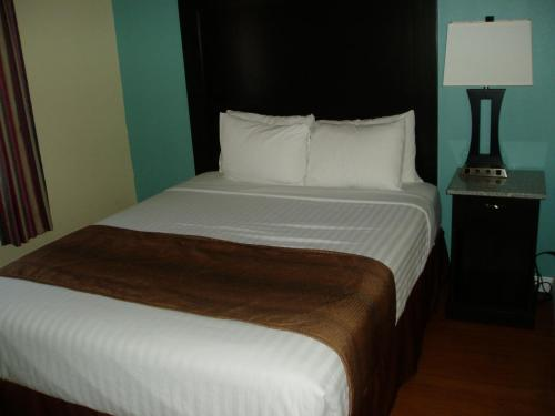 Rockview Inn and Suites Photo
