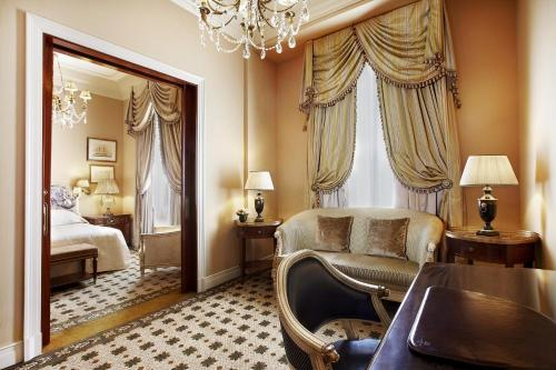 Hotel Grande Bretagne, a Luxury Collection Hotel photo 10