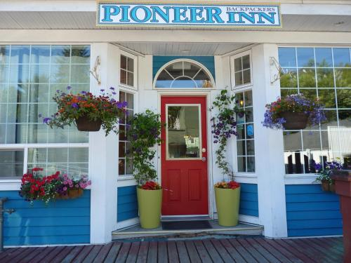 Pioneer Guest House Photo