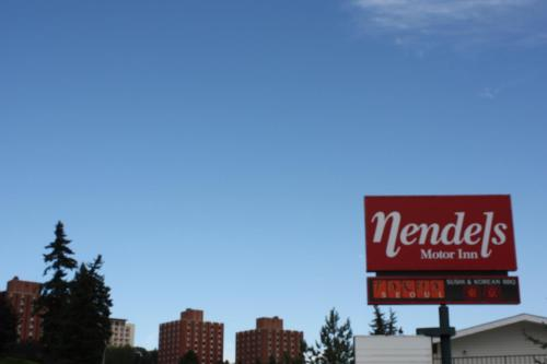 Nendel`s Motor Inn Photo